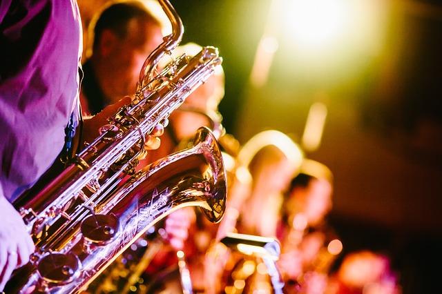 soittimet-saksofoni