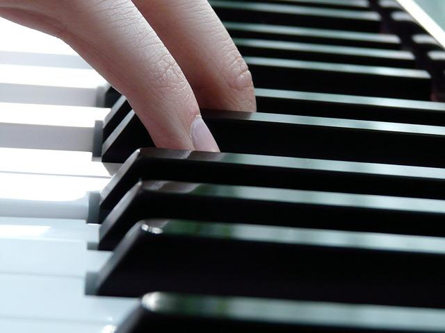 soittimet-piano-rytmimusiikki